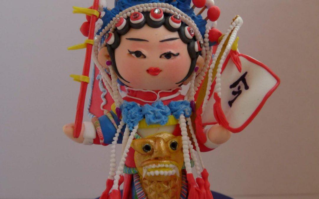 Estampes de bonne augure et figurines, artisanat folklorique et esprit du nouvel an